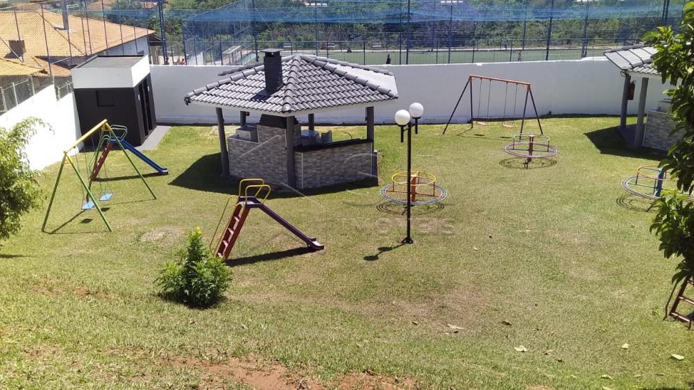 Alugar Apartamento / Padrão em Botucatu R$ 700,00 - Foto 2