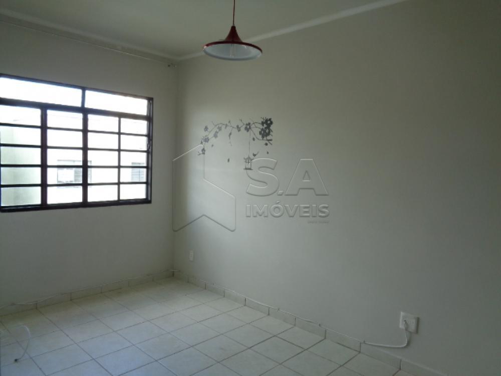 Comprar Apartamento / Padrão em Botucatu apenas R$ 125.000,00 - Foto 2