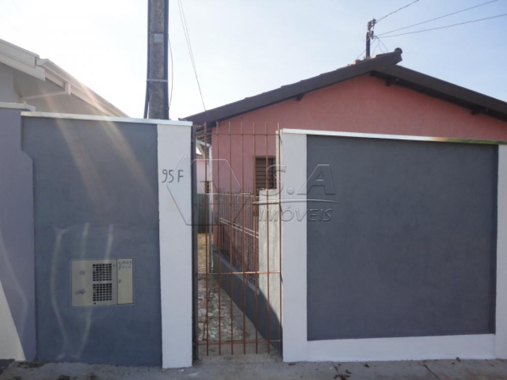 Alugar Casa / Padrão em Botucatu R$ 600,00 - Foto 1