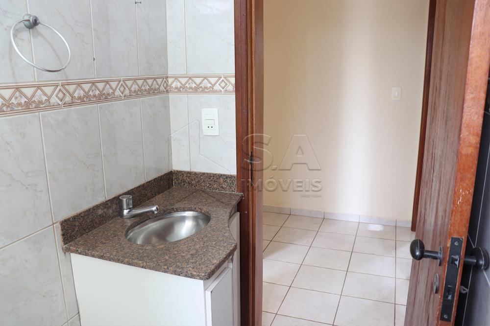 Alugar Apartamento / Padrão em Botucatu R$ 900,00 - Foto 18
