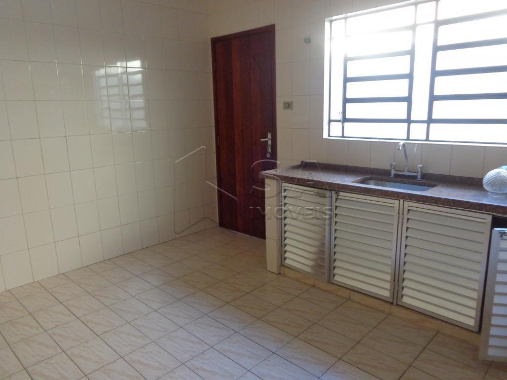 Alugar Casa / Padrão em Botucatu apenas R$ 850,00 - Foto 2