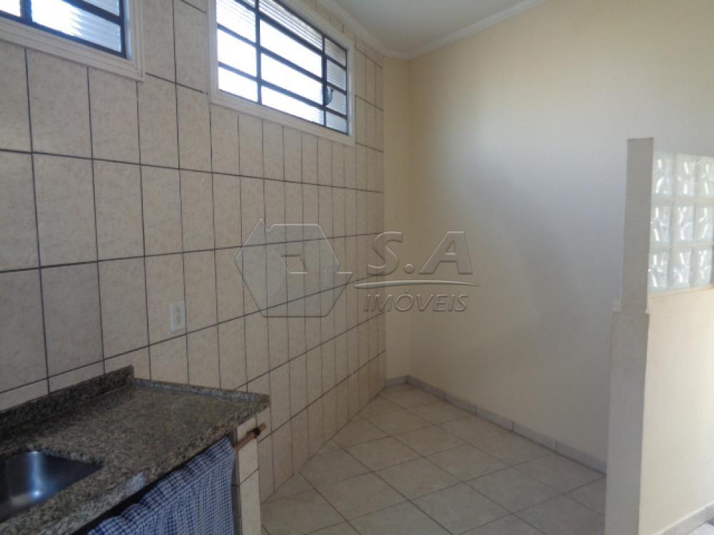 Alugar Casa / Padrão em Botucatu R$ 950,00 - Foto 8