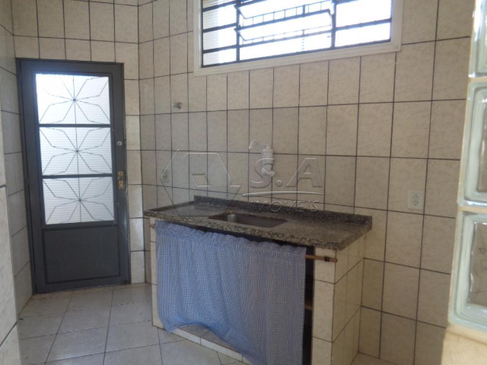 Alugar Casa / Padrão em Botucatu R$ 950,00 - Foto 9