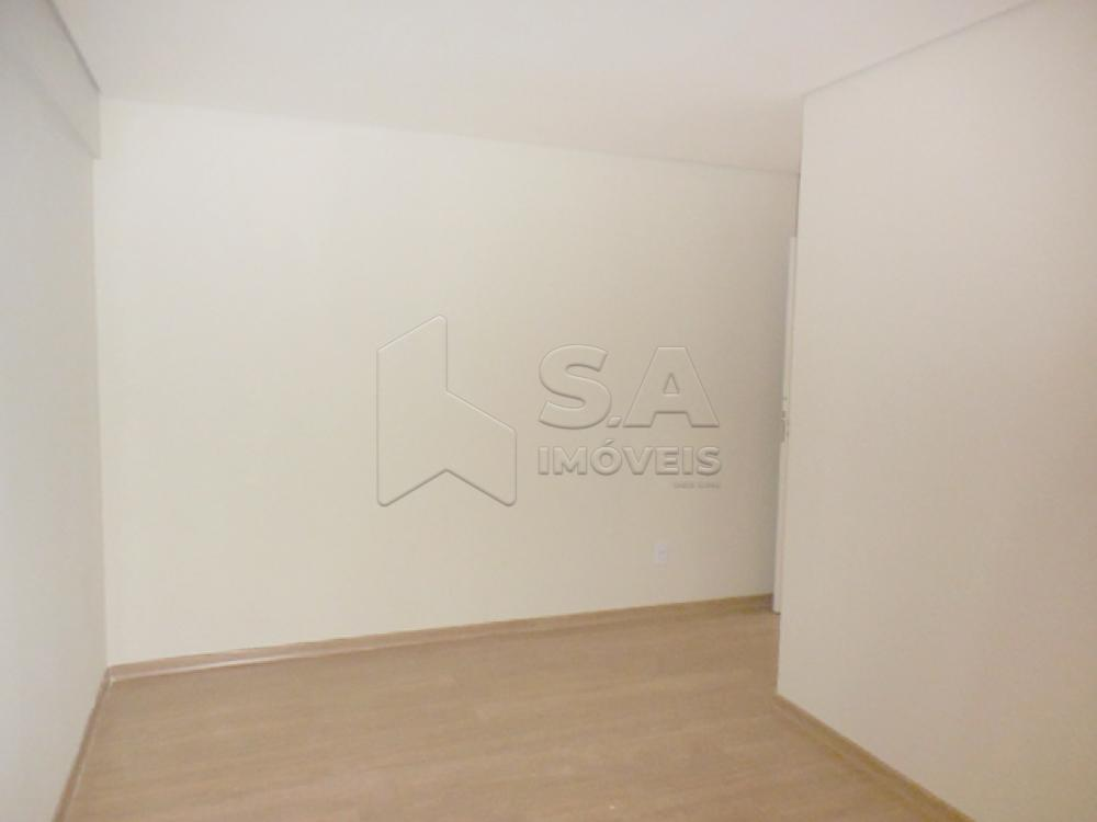 Alugar Apartamento / Padrão em Botucatu R$ 1.200,00 - Foto 7