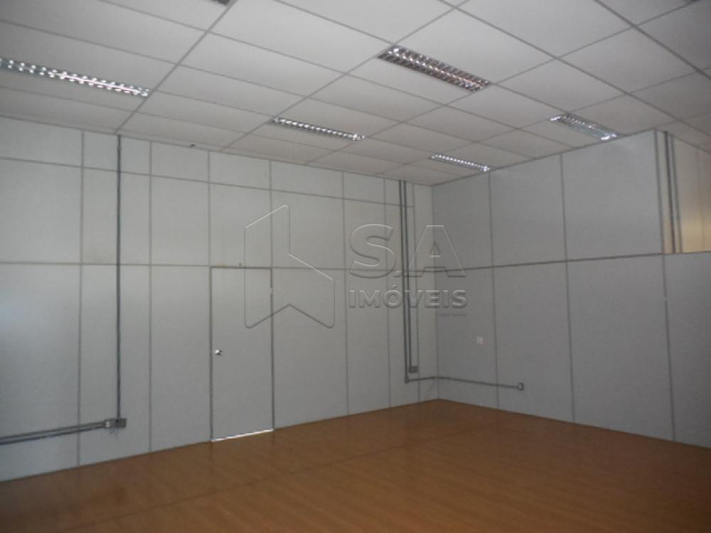 Alugar Comercial / Ponto Comercial em Botucatu apenas R$ 6.800,00 - Foto 17