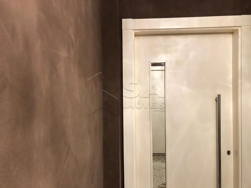 Comprar Apartamento / Padrão em Botucatu - Foto 2