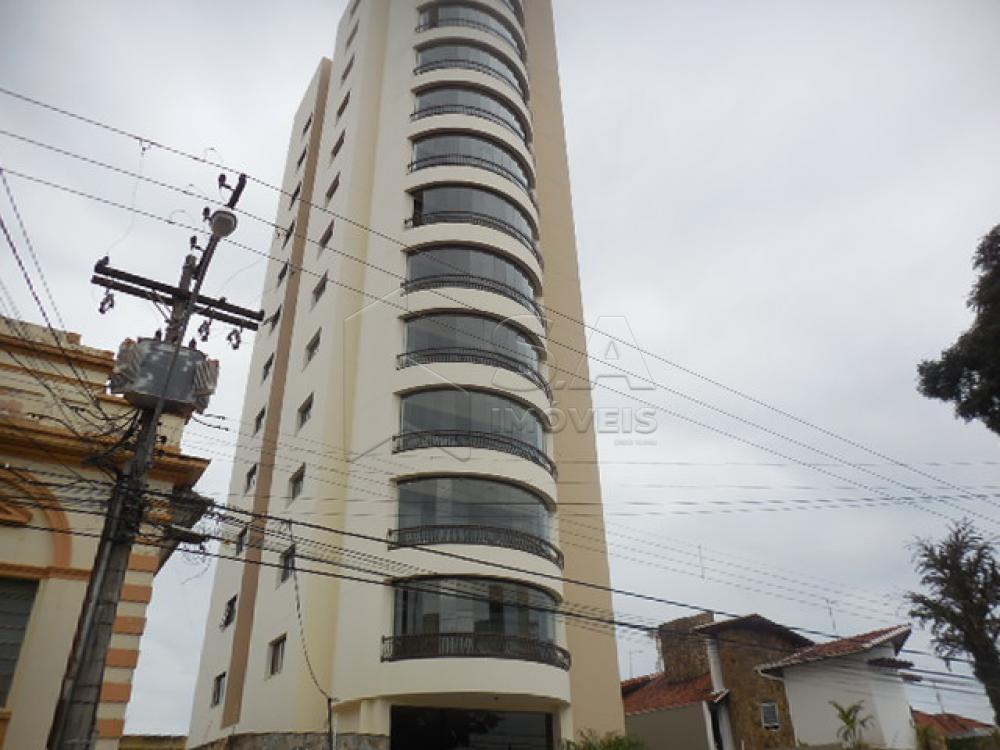 Alugar Apartamento / Padrão em Botucatu R$ 2.500,00 - Foto 1