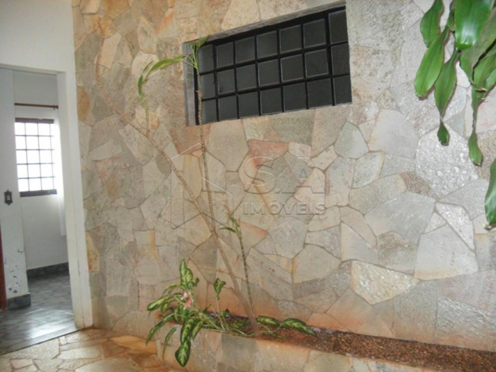 Comprar Casa / Padrão em Botucatu R$ 750.000,00 - Foto 2