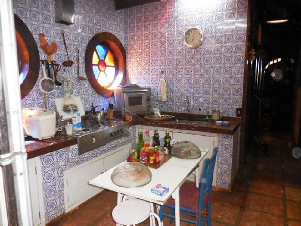 Comprar Casa / Condomínio em Botucatu - Foto 8