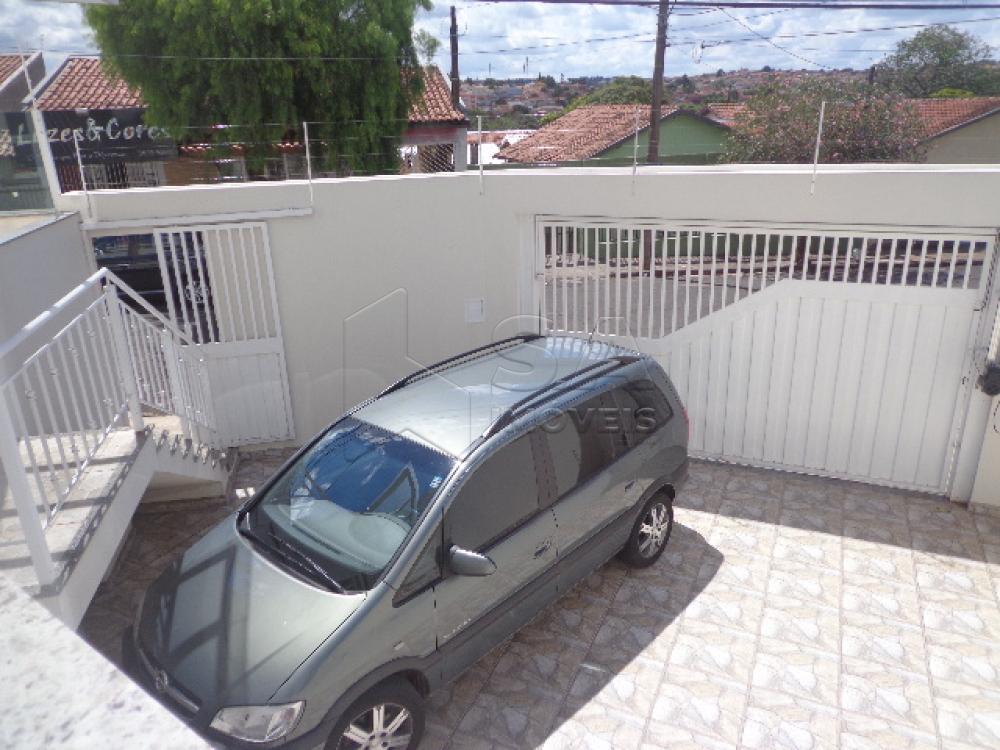 Alugar Casa / Padrão em Botucatu R$ 3.000,00 - Foto 3