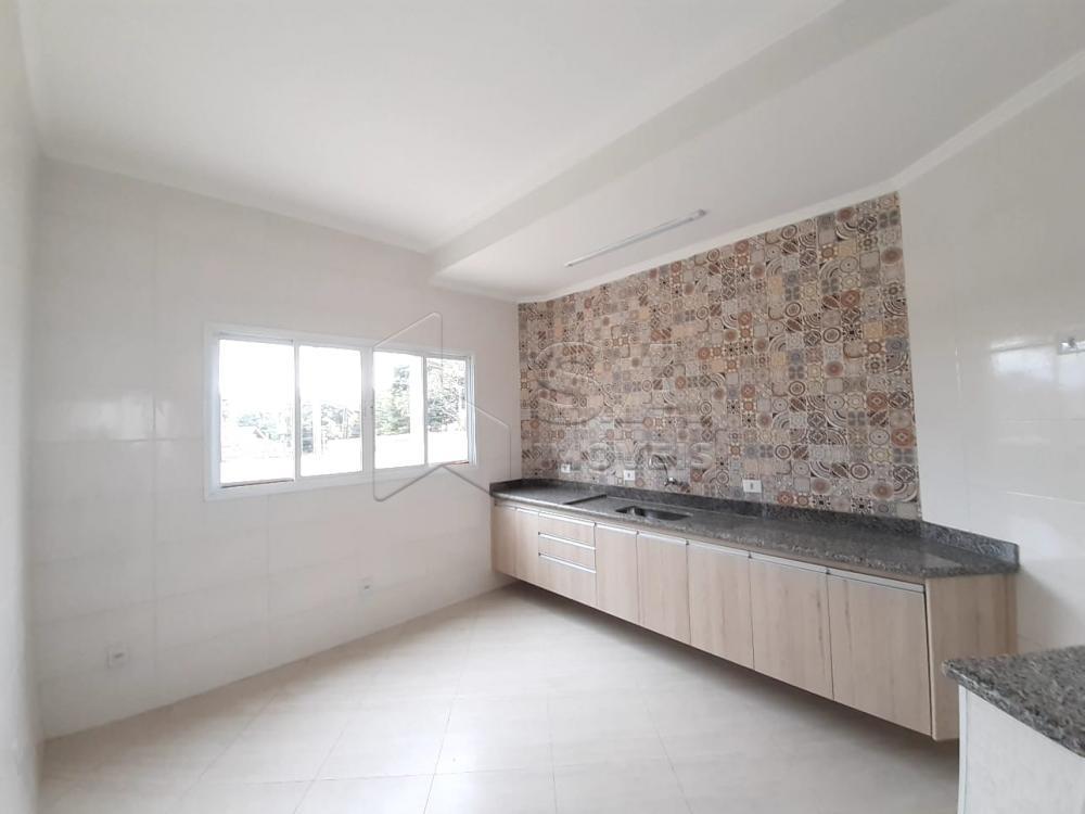 Alugar Casa / Padrão em Botucatu R$ 3.000,00 - Foto 15