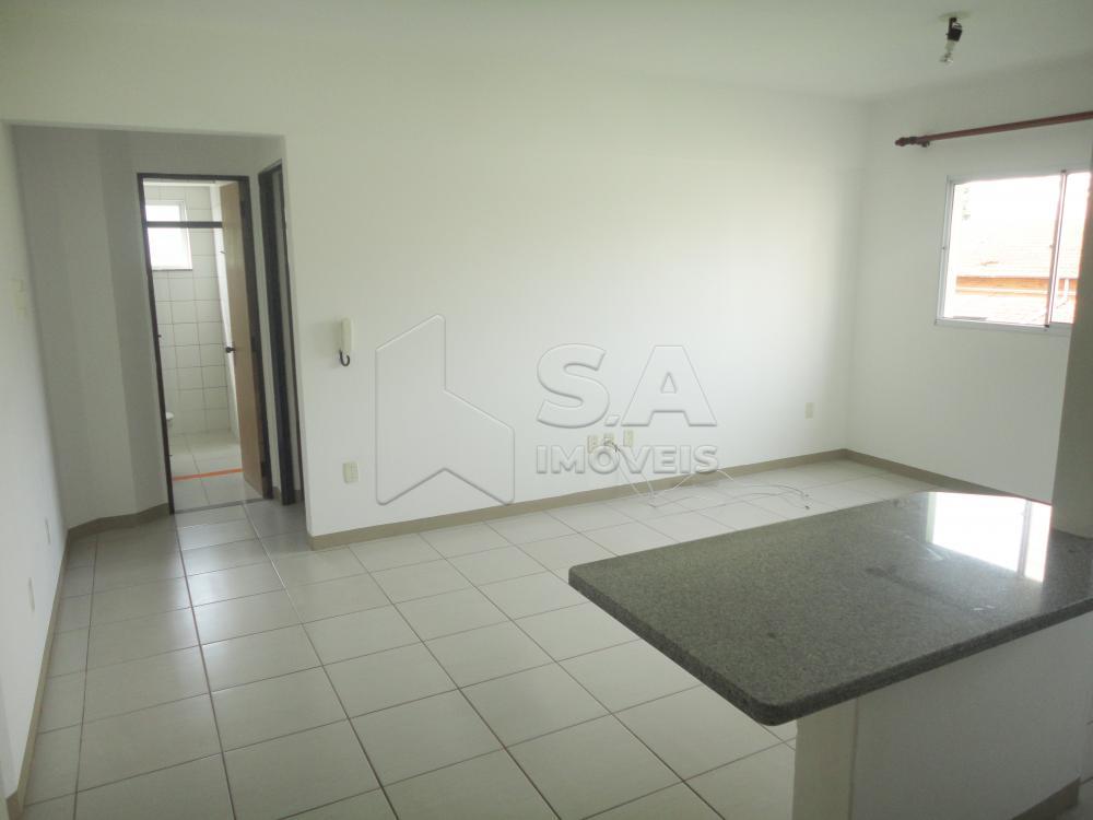 Alugar Apartamento / Padrão em Botucatu R$ 900,00 - Foto 3