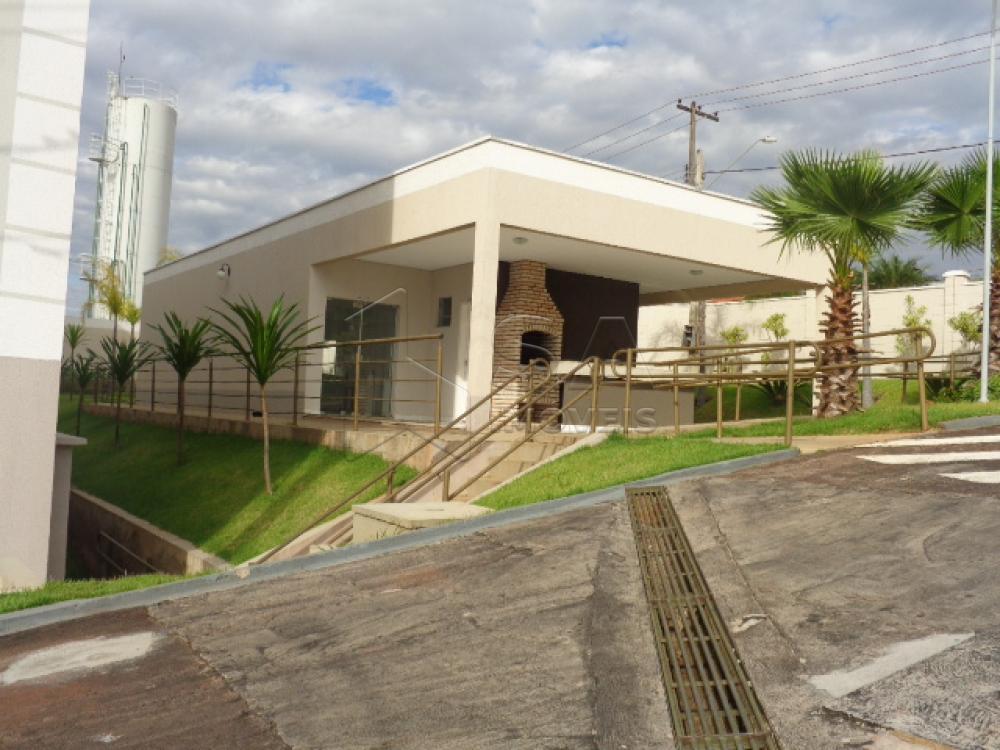Alugar Apartamento / Padrão em Botucatu R$ 750,00 - Foto 2
