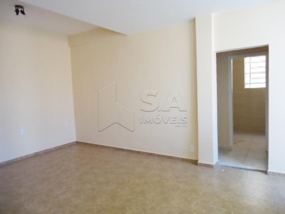 Alugar Comercial / Casa Comercial em Botucatu apenas R$ 1.100,00 - Foto 1