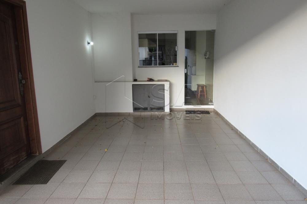 Alugar Casa / Padrão em Botucatu R$ 2.300,00 - Foto 4