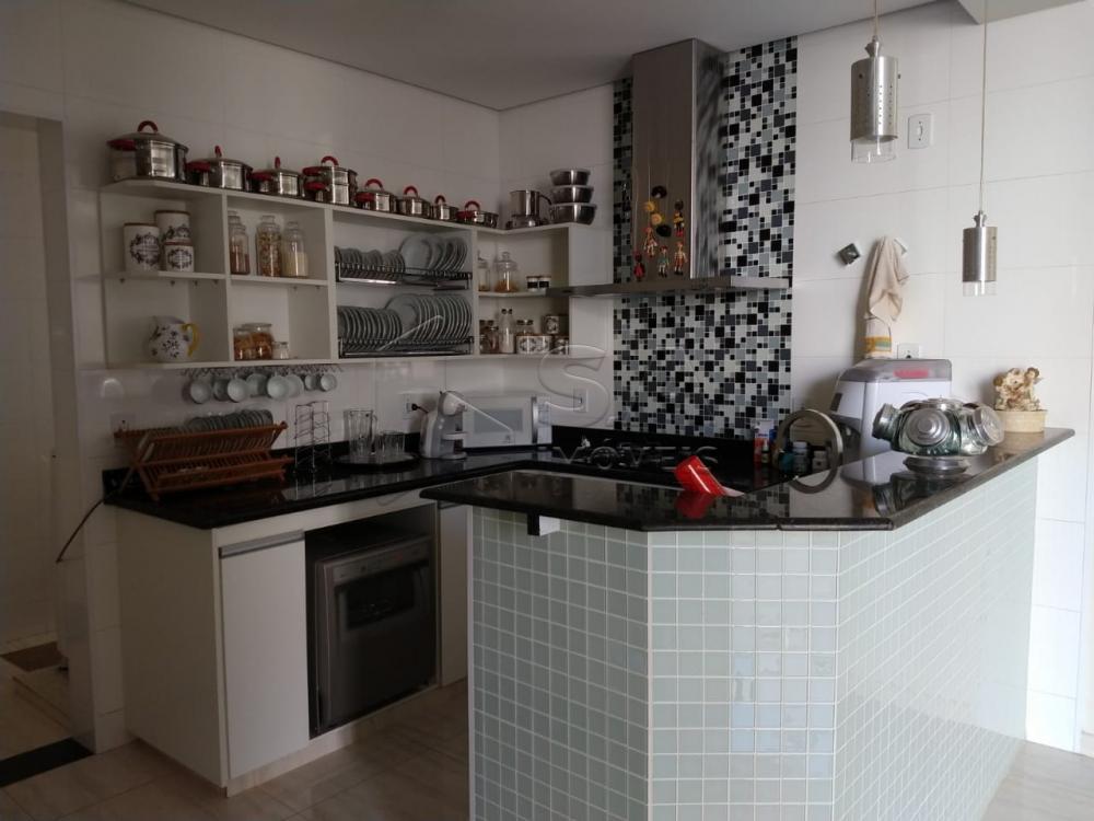 Comprar Casa / Condomínio em Botucatu R$ 1.300.000,00 - Foto 4