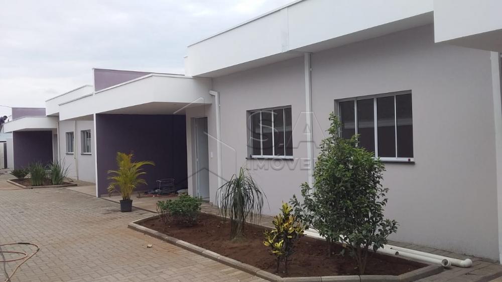 Alugar Casa / Padrão em Botucatu apenas R$ 700,00 - Foto 1