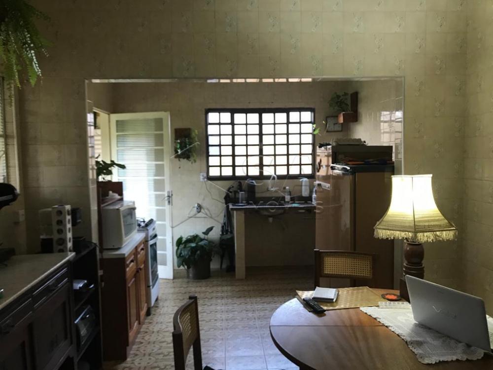 Comprar Casa / Padrão em Botucatu R$ 480.000,00 - Foto 2
