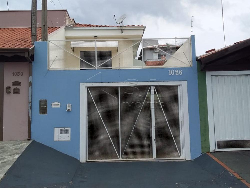 Alugar Casa / Padrão em Botucatu apenas R$ 1.200,00 - Foto 1