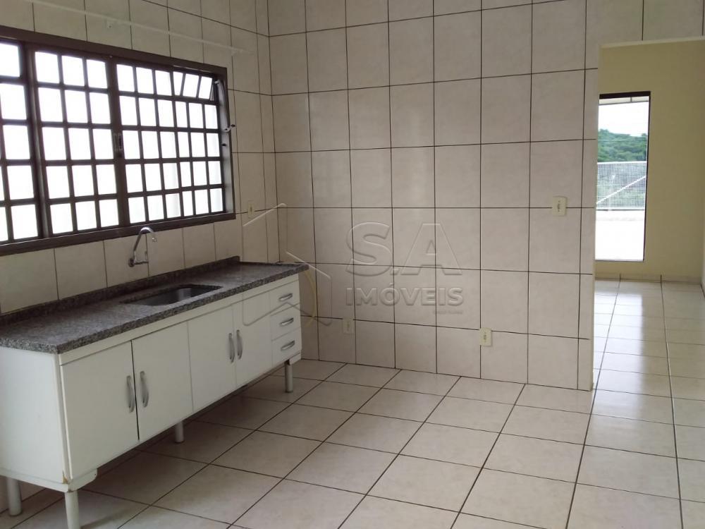 Alugar Casa / Padrão em Botucatu apenas R$ 1.200,00 - Foto 3