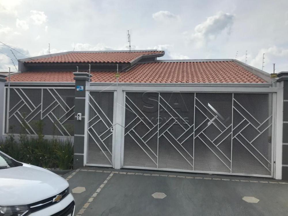 Comprar Casa / Padrão em Botucatu apenas R$ 580.000,00 - Foto 1