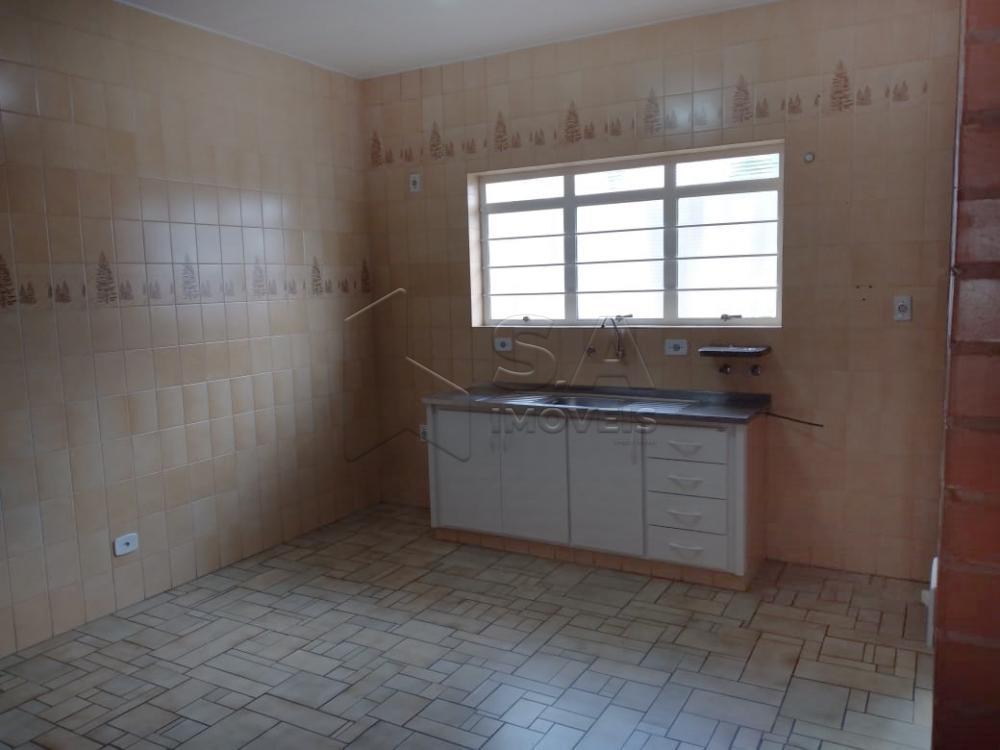 Alugar Casa / Padrão em Botucatu apenas R$ 1.200,00 - Foto 4