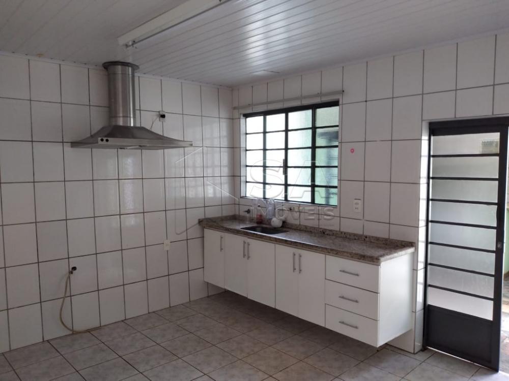 Alugar Casa / Padrão em Botucatu apenas R$ 1.300,00 - Foto 4