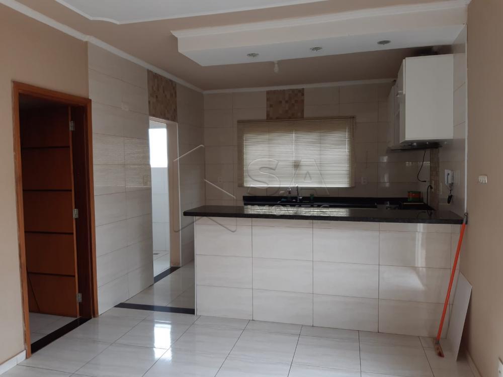 Alugar Casa / Padrão em Botucatu apenas R$ 1.500,00 - Foto 3