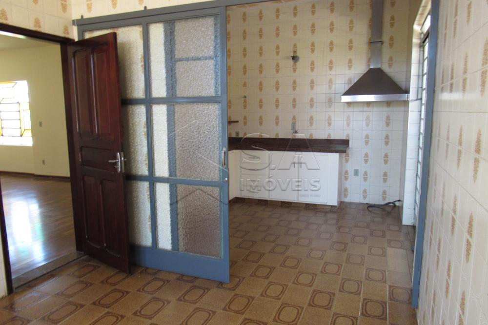 Alugar Casa / Padrão em Botucatu apenas R$ 2.200,00 - Foto 4