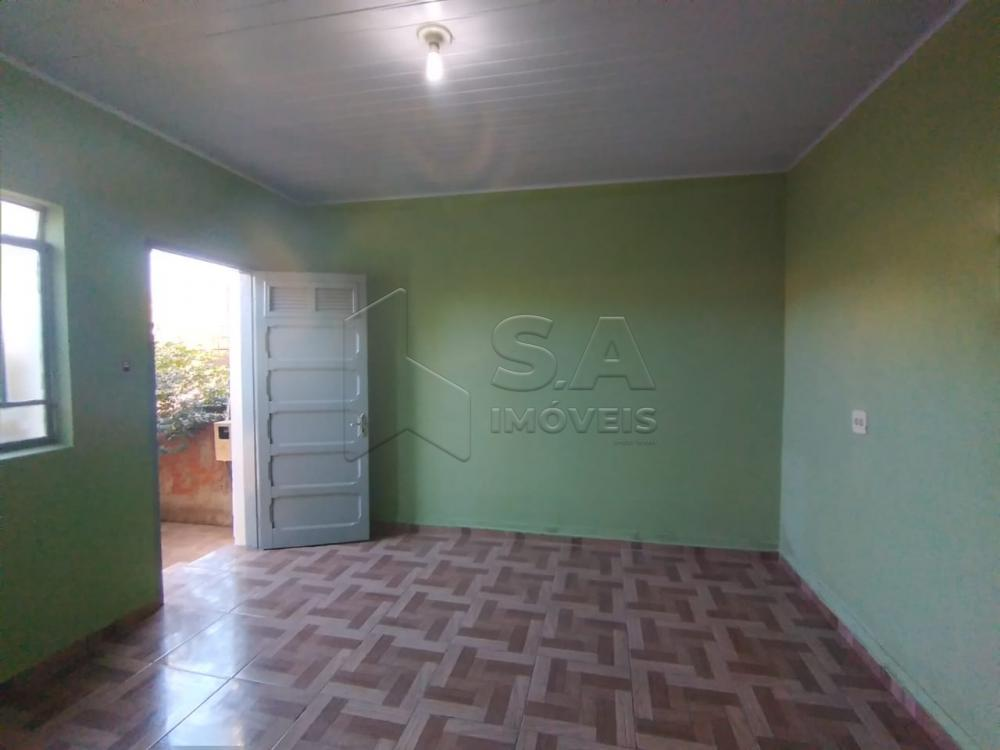 Alugar Casa / Padrão em Botucatu apenas R$ 800,00 - Foto 2