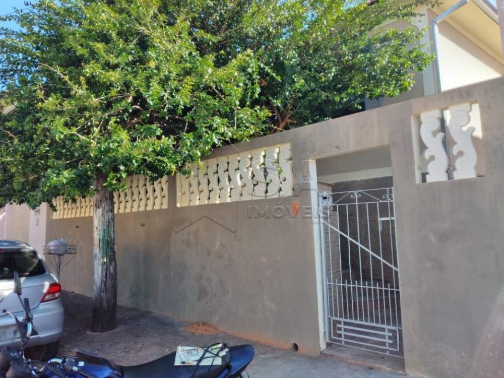 Alugar Casa / Padrão em Botucatu apenas R$ 800,00 - Foto 1