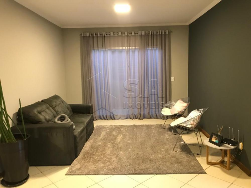 Comprar Casa / Padrão em Botucatu apenas R$ 950.000,00 - Foto 1