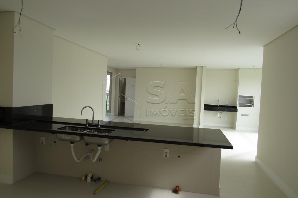 Alugar Apartamento / Padrão em Botucatu R$ 3.000,00 - Foto 4