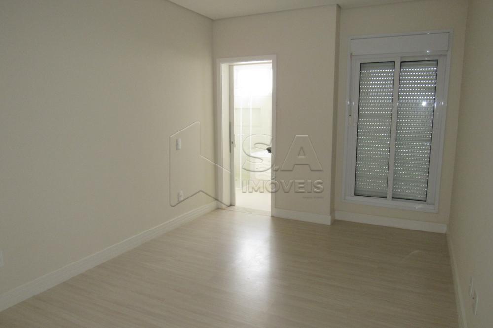 Alugar Apartamento / Padrão em Botucatu R$ 3.000,00 - Foto 14