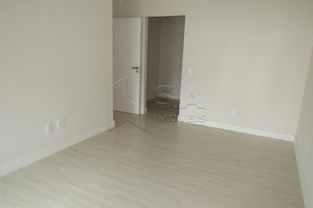 Alugar Apartamento / Padrão em Botucatu R$ 3.000,00 - Foto 15