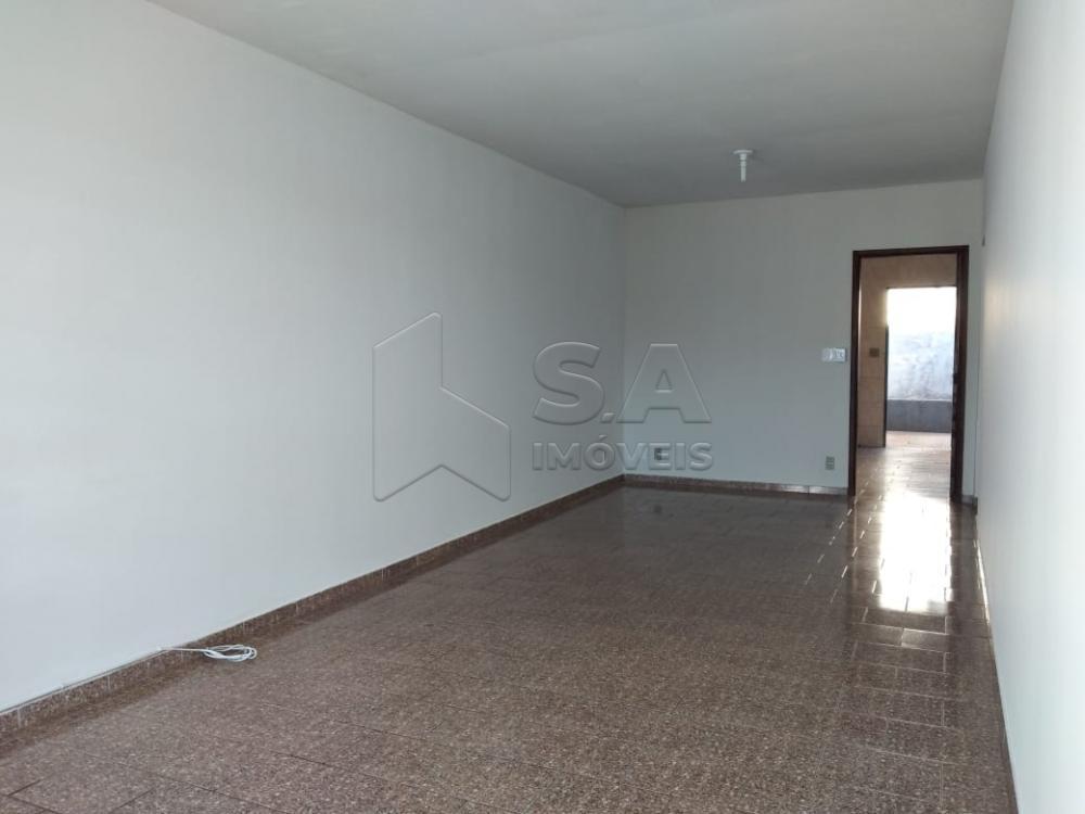 Alugar Casa / Padrão em Botucatu R$ 1.300,00 - Foto 2