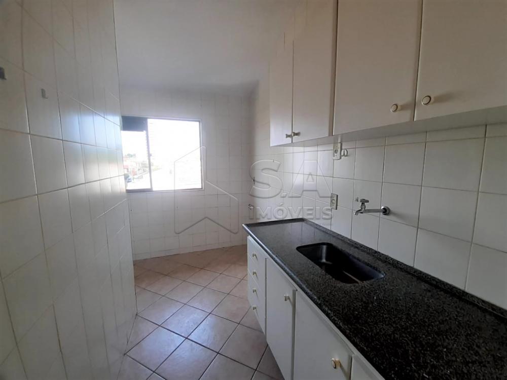 Alugar Apartamento / Padrão em Botucatu R$ 1.000,00 - Foto 4