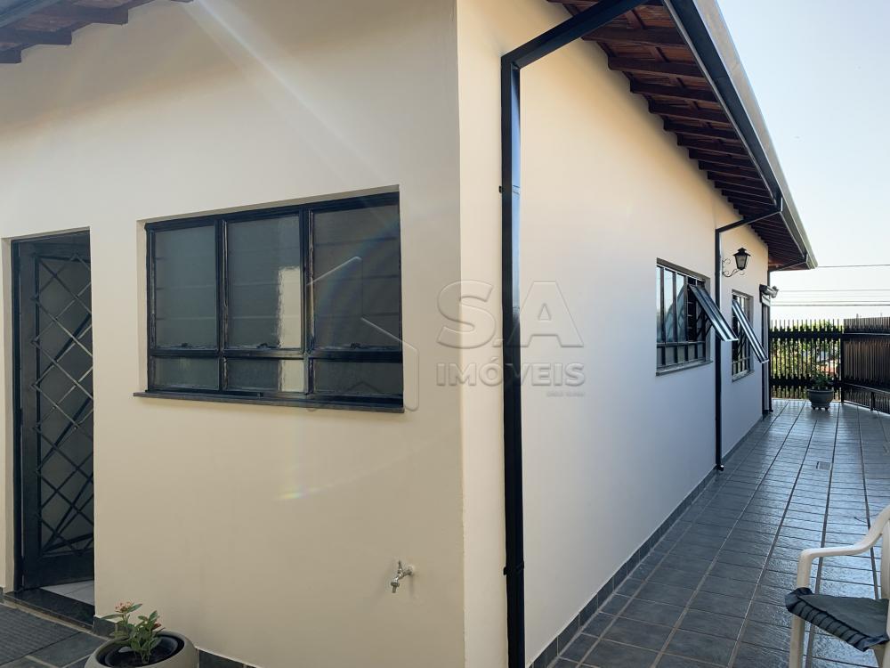 Comprar Casa / Padrão em Botucatu R$ 695.000,00 - Foto 2