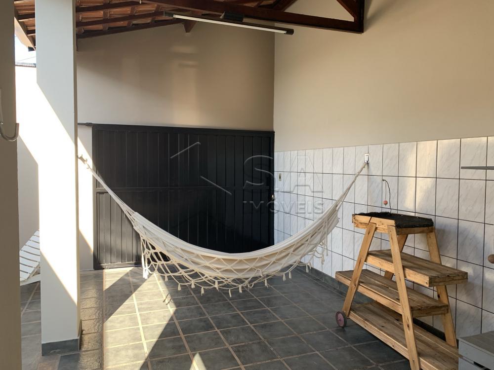 Comprar Casa / Padrão em Botucatu R$ 695.000,00 - Foto 3
