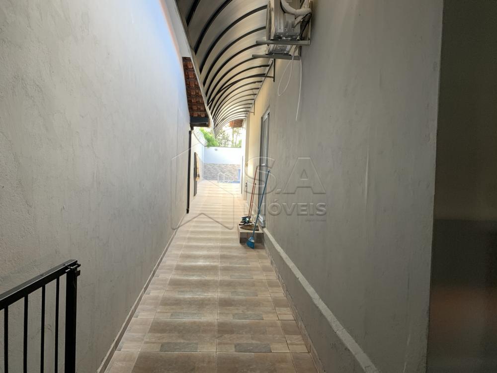 Comprar Casa / Padrão em Botucatu R$ 450.000,00 - Foto 2