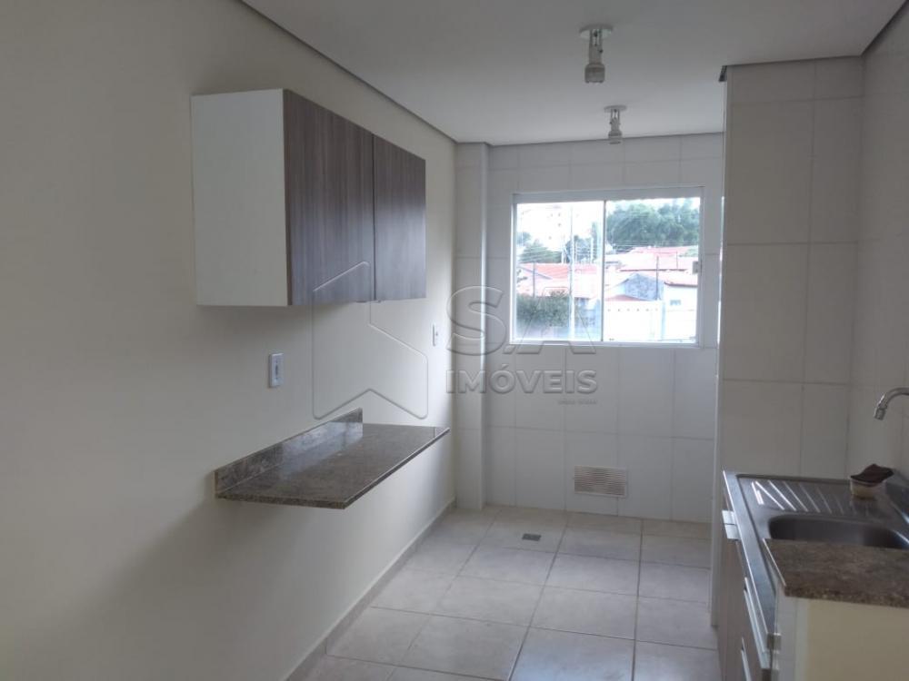 Alugar Apartamento / Padrão em Botucatu R$ 1.100,00 - Foto 5