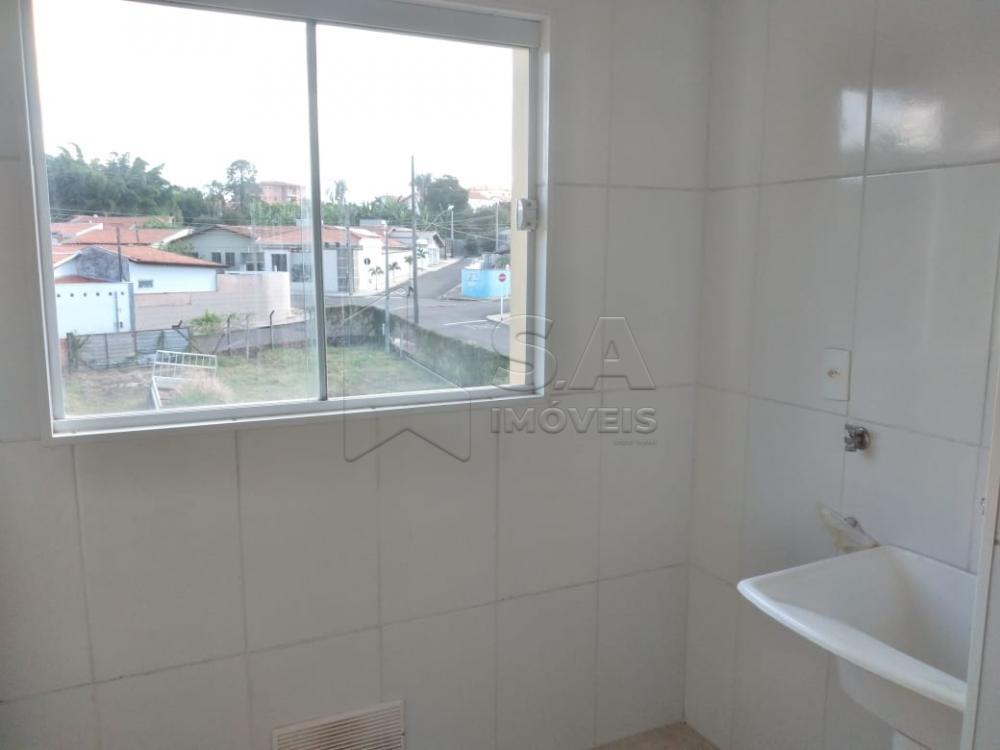 Alugar Apartamento / Padrão em Botucatu R$ 1.100,00 - Foto 7