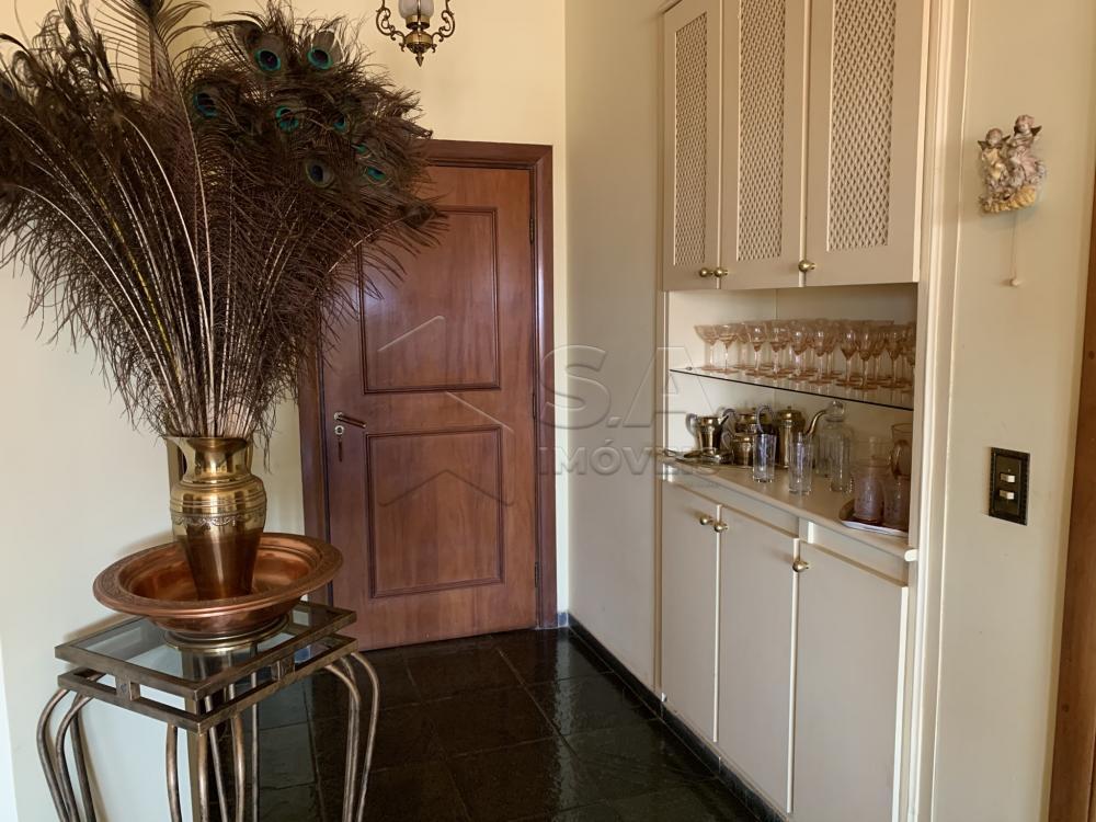 Alugar Apartamento / Padrão em Botucatu R$ 2.300,00 - Foto 4