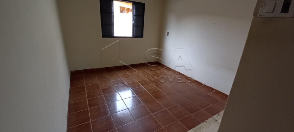 Alugar Casa / Padrão em Botucatu R$ 650,00 - Foto 4