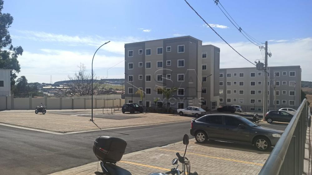Alugar Apartamento / Padrão em Botucatu R$ 900,00 - Foto 2