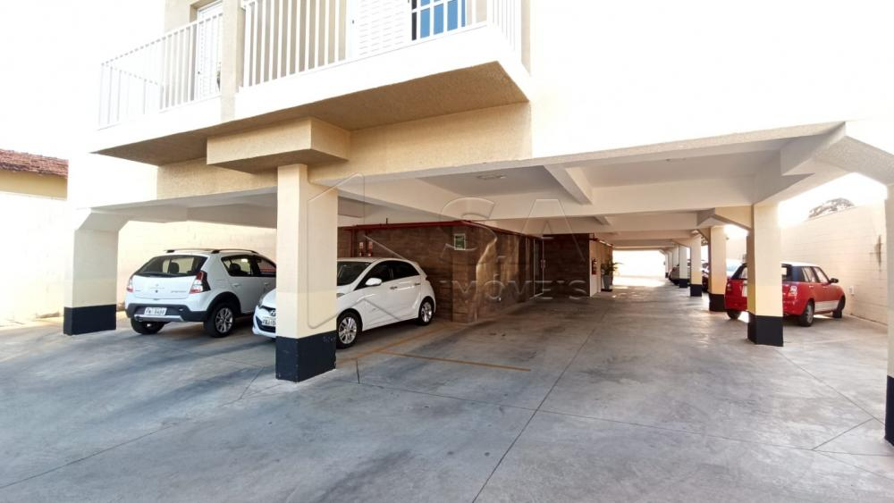 Alugar Apartamento / Padrão em Botucatu R$ 1.300,00 - Foto 2