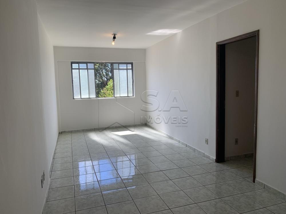 Comprar Apartamento / Padrão em Botucatu R$ 190.000,00 - Foto 2