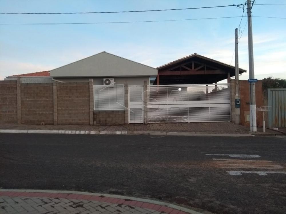 Comprar Casa / Padrão em Botucatu R$ 540.000,00 - Foto 1