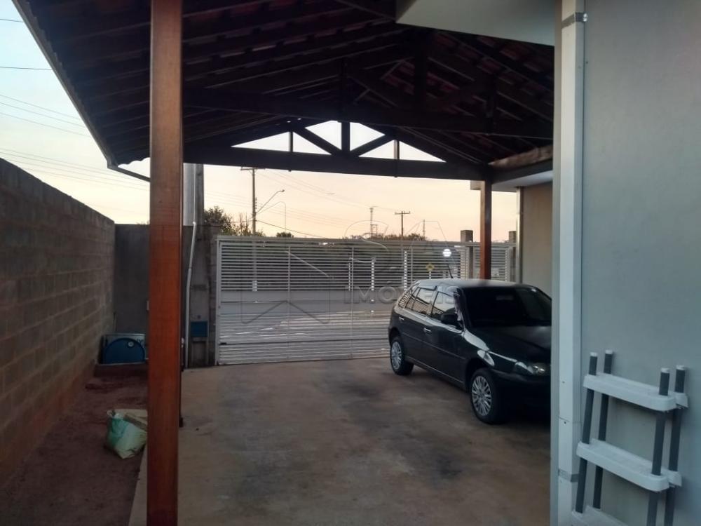 Comprar Casa / Padrão em Botucatu R$ 540.000,00 - Foto 2