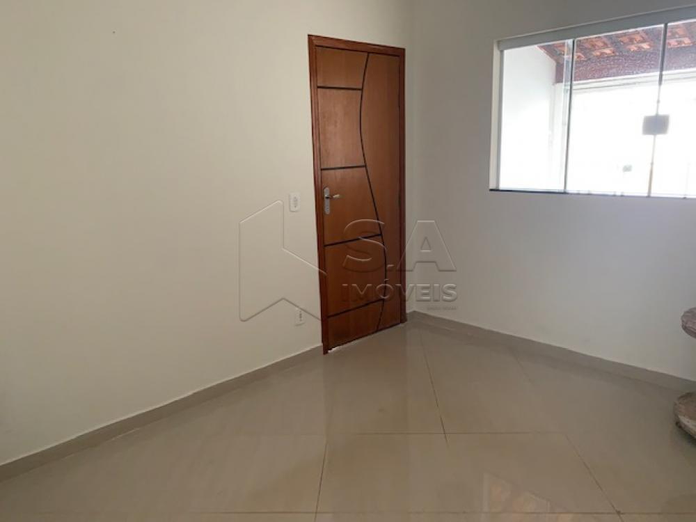 Comprar Casa / Padrão em Botucatu R$ 270.000,00 - Foto 1